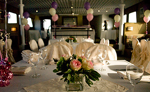 Toronton Cruises - Pizza and Formal Parties
